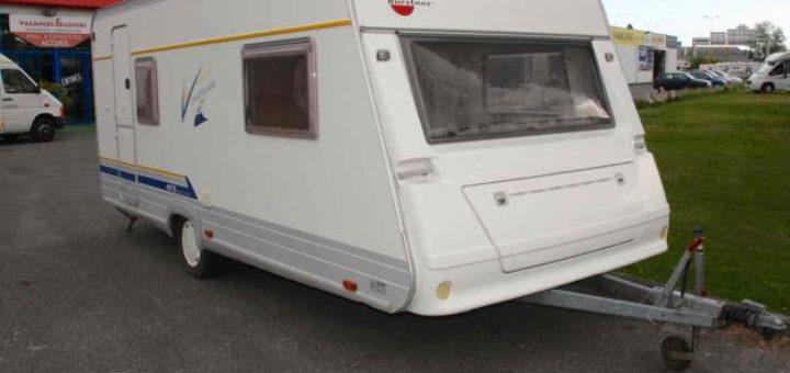 caravane burstner occasion lit central u car 33. Black Bedroom Furniture Sets. Home Design Ideas