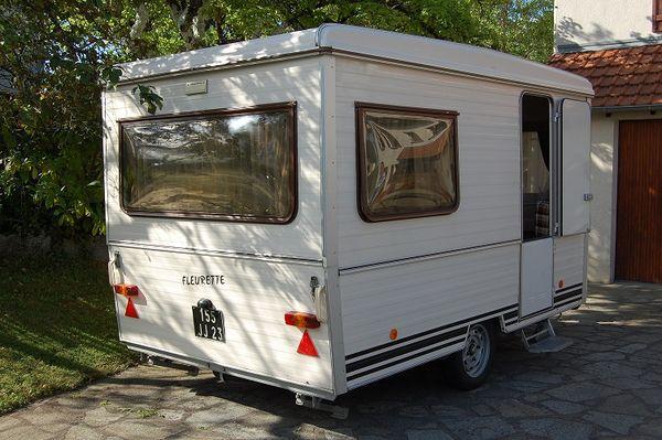 caravane pliante rigide fleurette u car 33. Black Bedroom Furniture Sets. Home Design Ideas