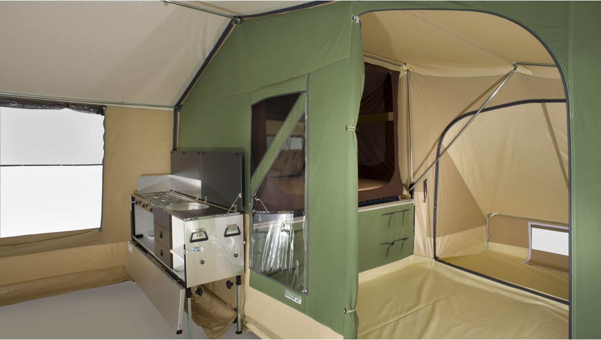 caravane pliante 6 places u car 33. Black Bedroom Furniture Sets. Home Design Ideas