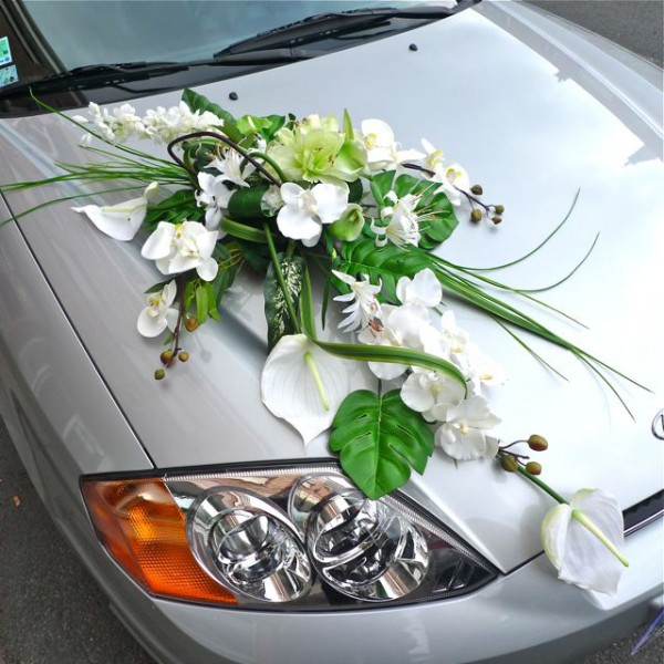 decoration voiture mariage fleurs artificielles