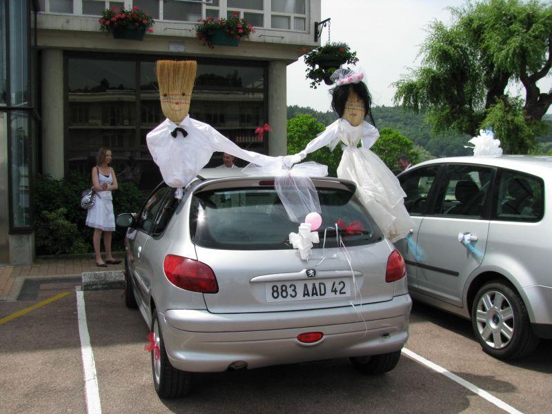 Relativ Image voiture balai pour mariage - u car 33 JJ73