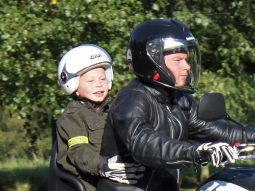 equipement moto route enfant u car 33. Black Bedroom Furniture Sets. Home Design Ideas