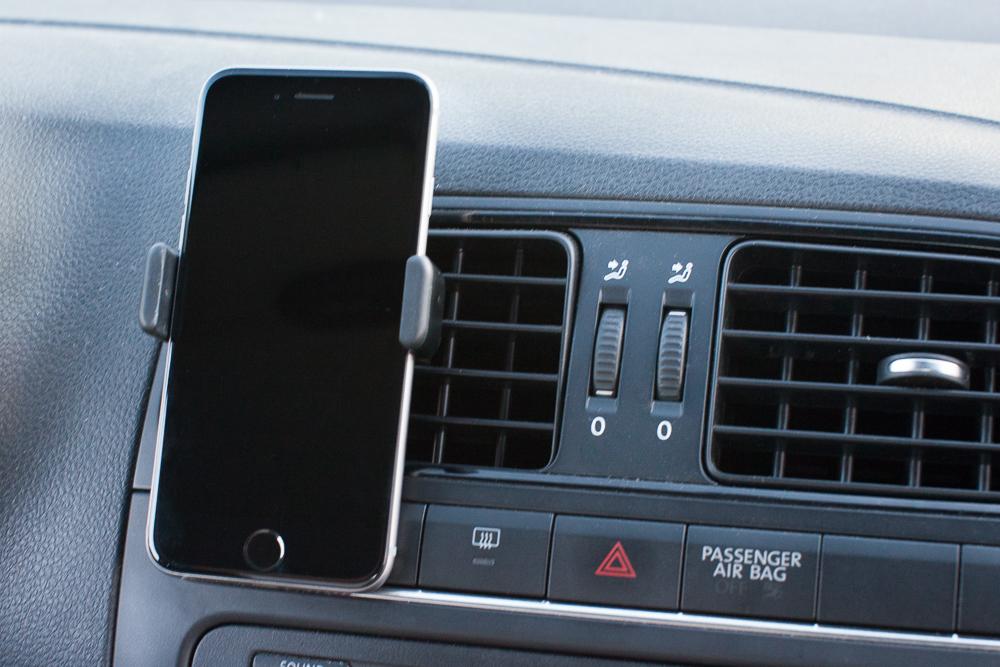 attache iphone 6 voiture u car 33. Black Bedroom Furniture Sets. Home Design Ideas