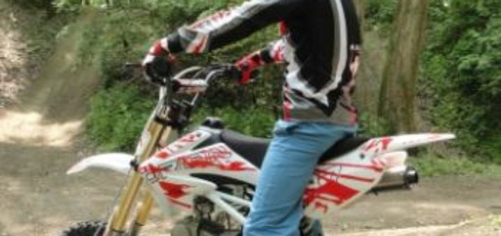 moto cross a vendre pour enfant u car 33. Black Bedroom Furniture Sets. Home Design Ideas