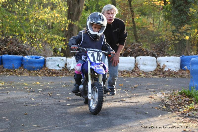 moto cross enfant 9 ans u car 33. Black Bedroom Furniture Sets. Home Design Ideas
